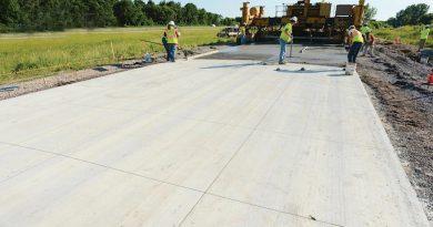 Asfaltne ali betonske ceste, to je zdaj vprašanje