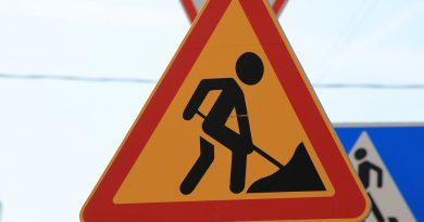 road sign, road works, pointer