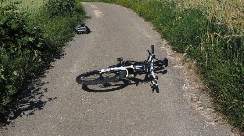 bike, accident, mountain bike-592543.jpg