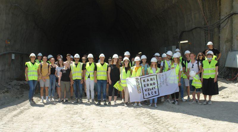 DRI s projektom Srečevanja inženirjev prihodnosti, študentje iz predavalnic na gradbišča